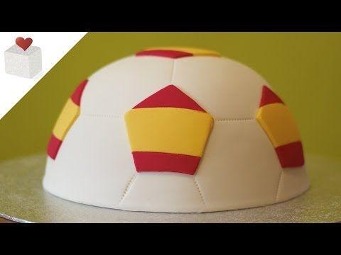 Soccer ball fondant cake - FIFA World Cup 2014 | Tartas de fondant por Azúcar con Amor