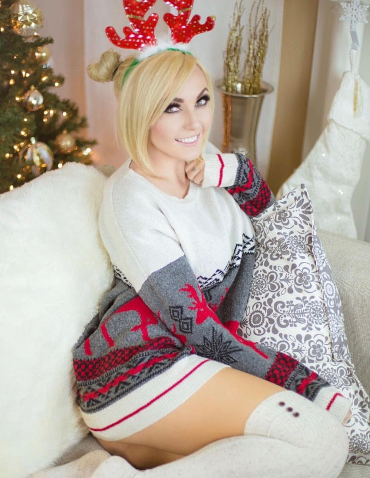 Pin by J Lee on Christmas | Pinterest | Jessica nigri, Cozy sweaters ...