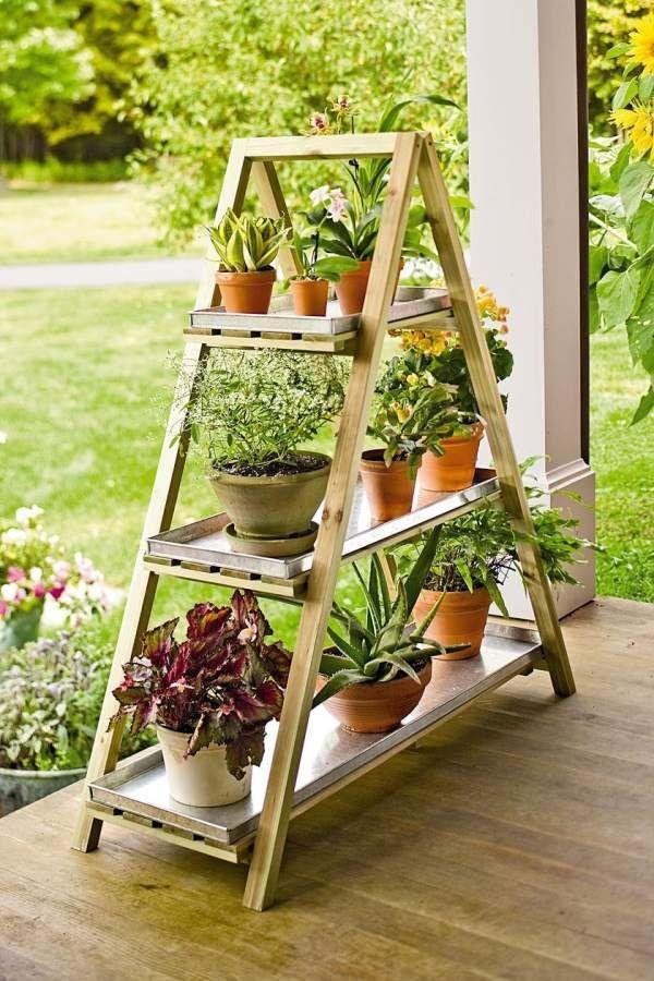 Blumenständer bauen terrasse blickfang deko idee Garten - blumenstander selber bauen alte holzleiter