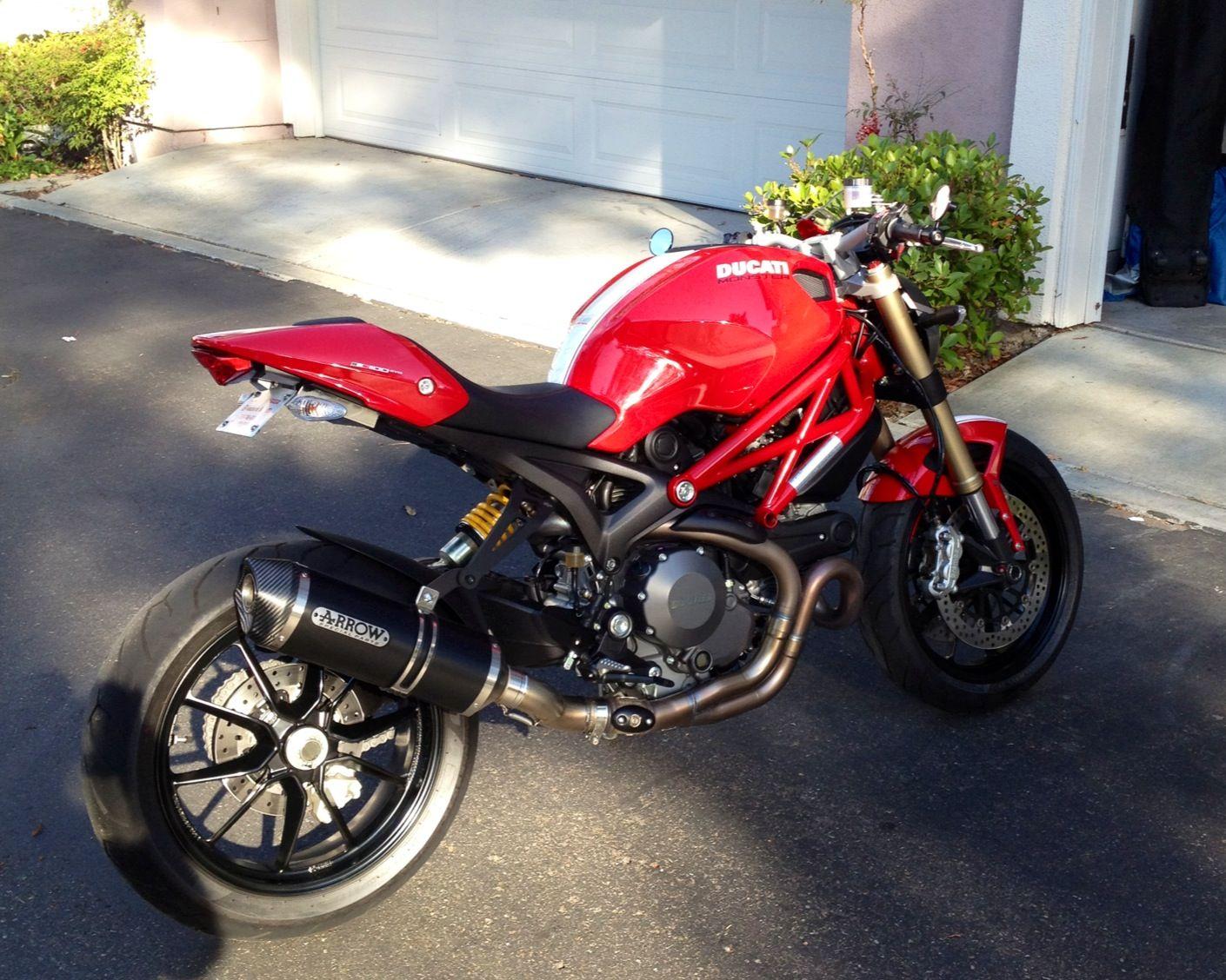 Ducati Monster 1100 EVO Reviews