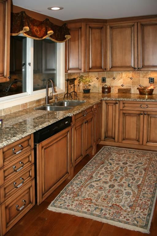 Maple Kitchen Cabinets, love this cabinet color ... on Kitchen Backsplash Ideas With Maple Cabinets  id=42007