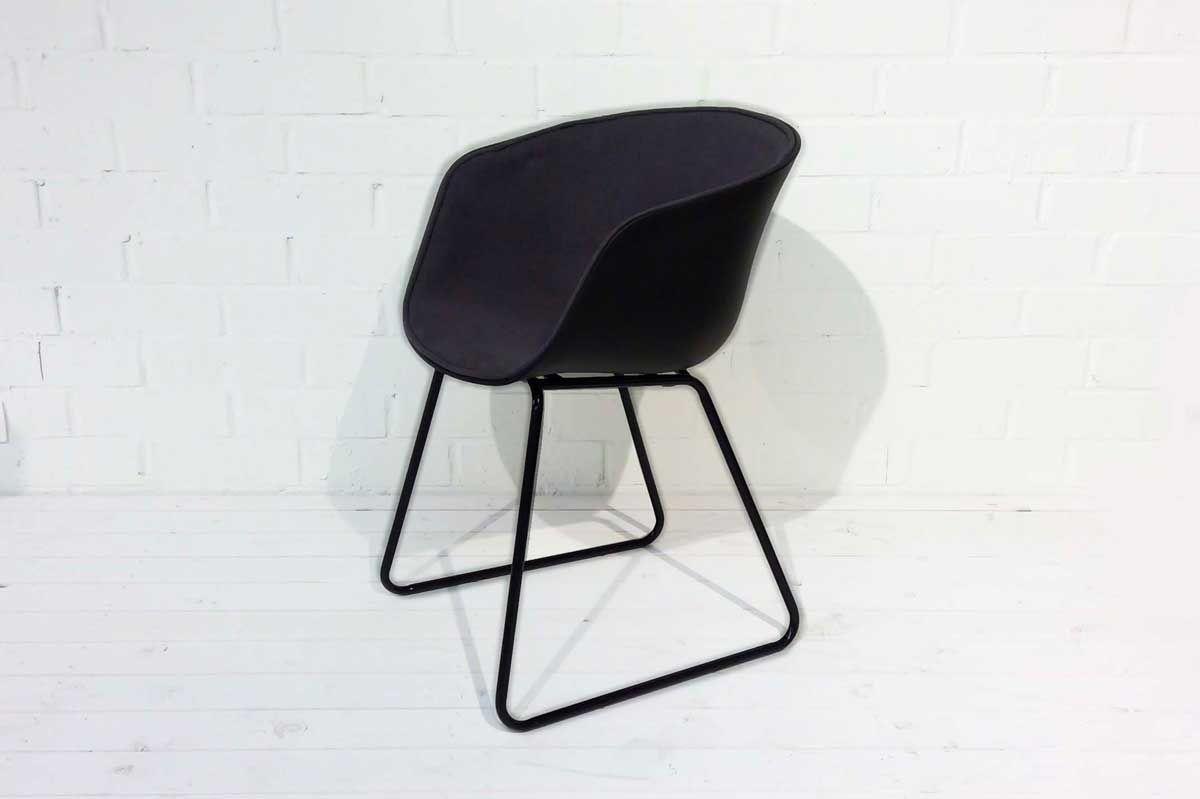 Gdc900 Une Chaise A L Empietement Original Design Qui Correspond Tres Bien A Un Interieur Contemporain In 2020