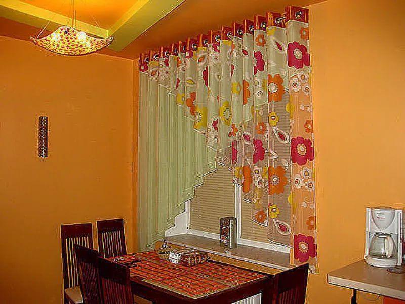 Картинки со шторами на кухню