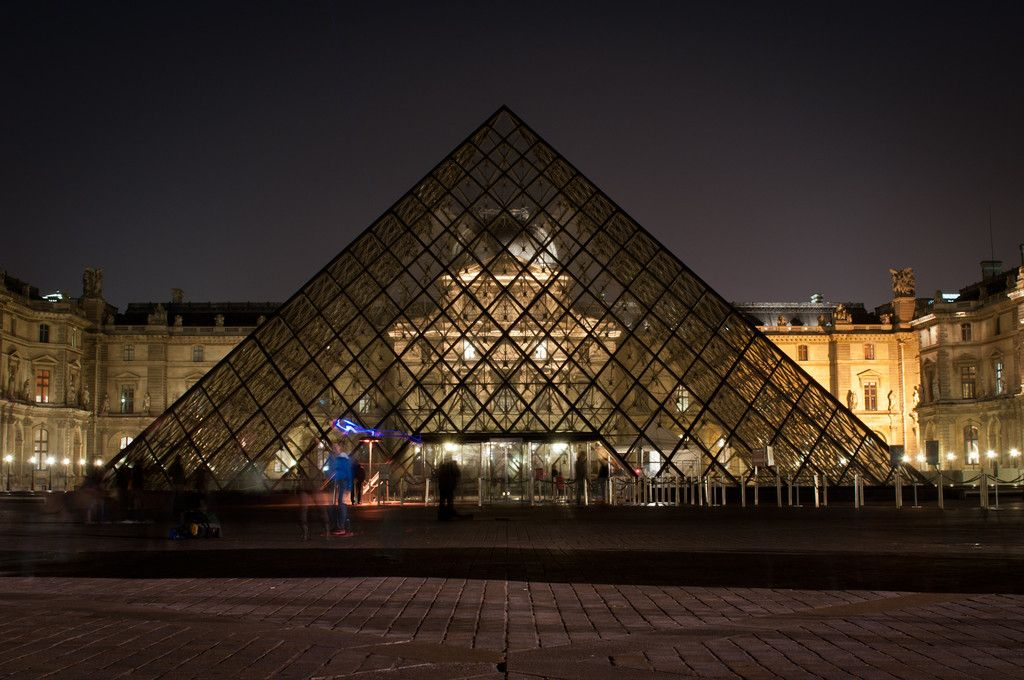 paris in night   Night in Paris: Louvre   Foto Erasmus París