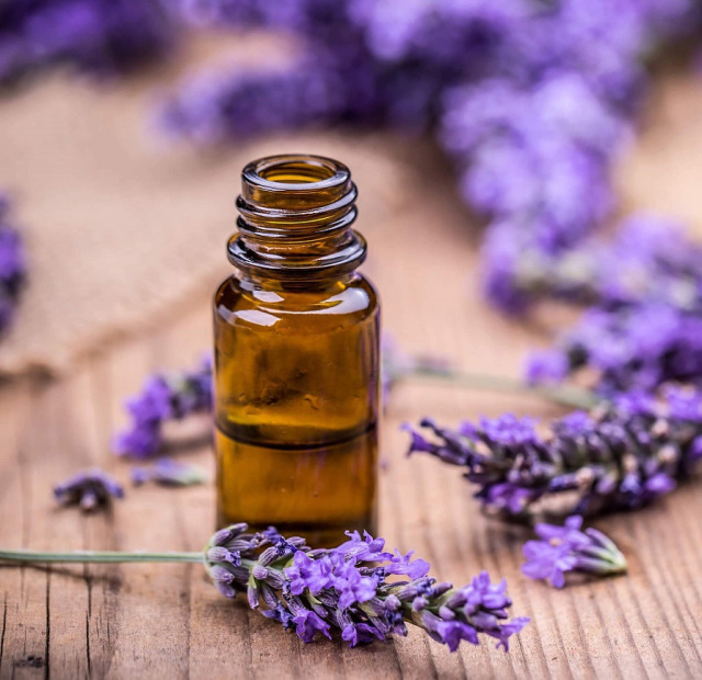 Lavender Lavandin Essential Oil 50ml In 2020 Essential Oils For Fibromyalgia Herbal Oil Essential Oil Benefits