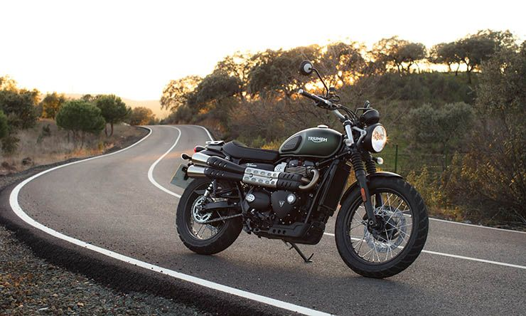 triumph street scrambler 2017 first ride and review triumph street scrambler pinterest. Black Bedroom Furniture Sets. Home Design Ideas