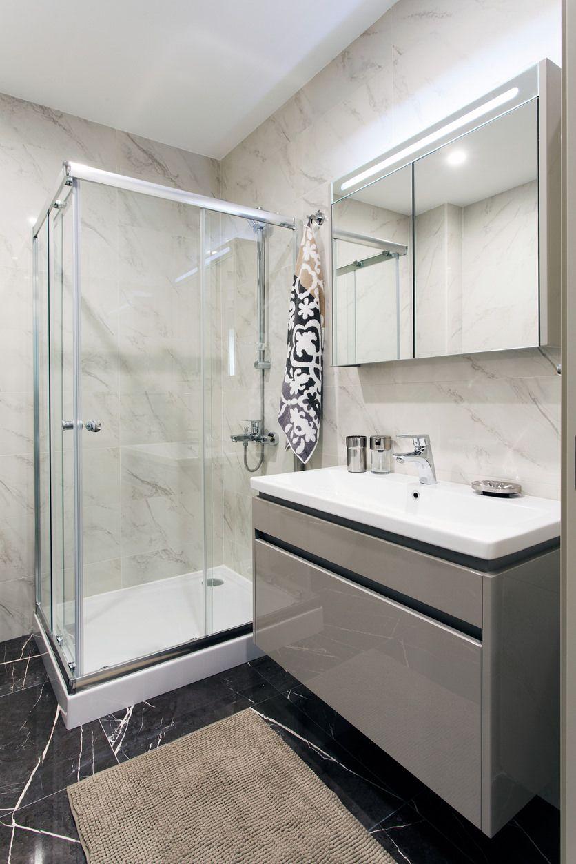 34 gorgeous gray primary bathroom ideas  lavatory design