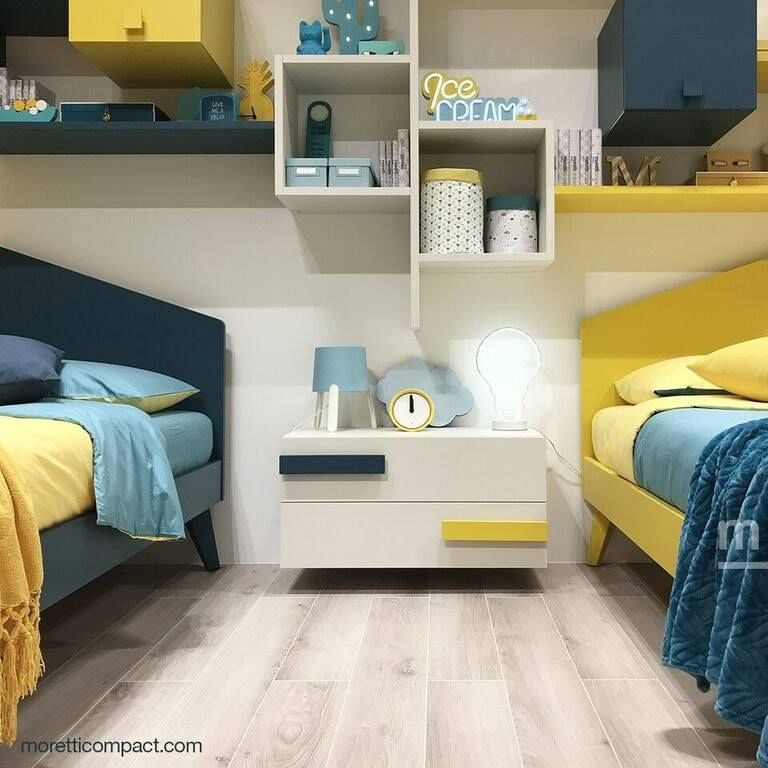 Giallo In Esposizione Mobili Letti Loft Idee Per Decorare La Casa