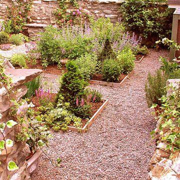 Gartenwege Anlegen Ideen Fur Den Kiesweg Im Garten Kies Gehweg Garten Anlegen Anpflanzung