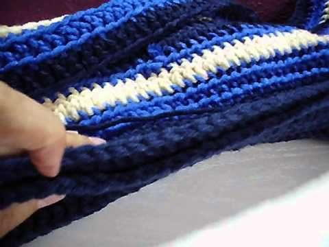Scoodie Kapuzenschal Anleitung Anfänger kostenlos. Crochet Scoodie ...