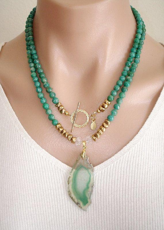 7018b75df36e Ashira Amazonite ruso piedras preciosas collar con colgante de ágata blanco  verde alternar GF y Natural Druzy Geode