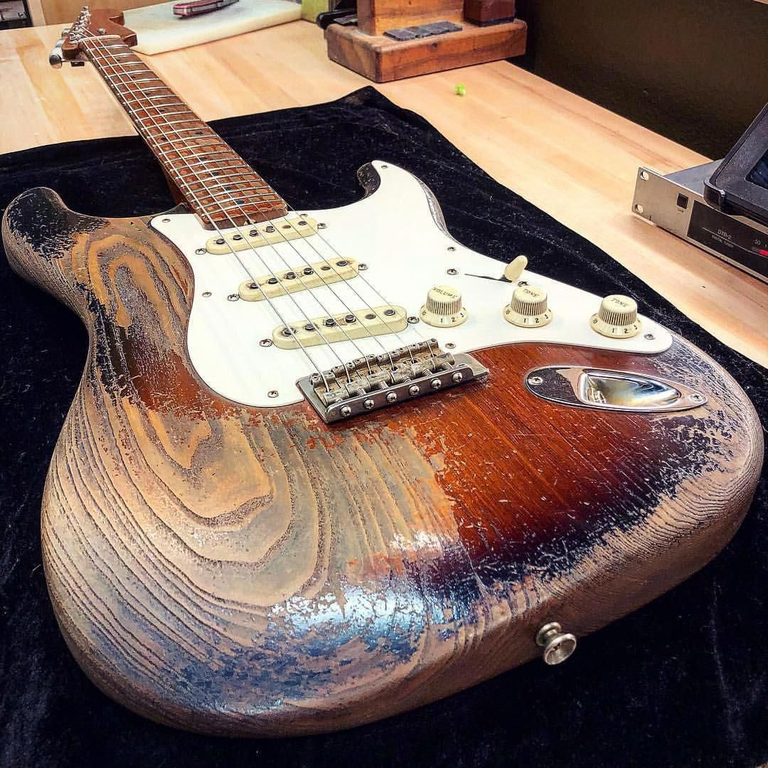 Coolest stratocaster guitars... 6679 stratocasterguitars