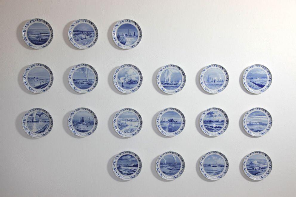 atom plates