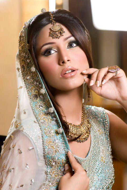 Indian Bridal Makeup- Simple & Sweet! Posted by Soma Sengupta