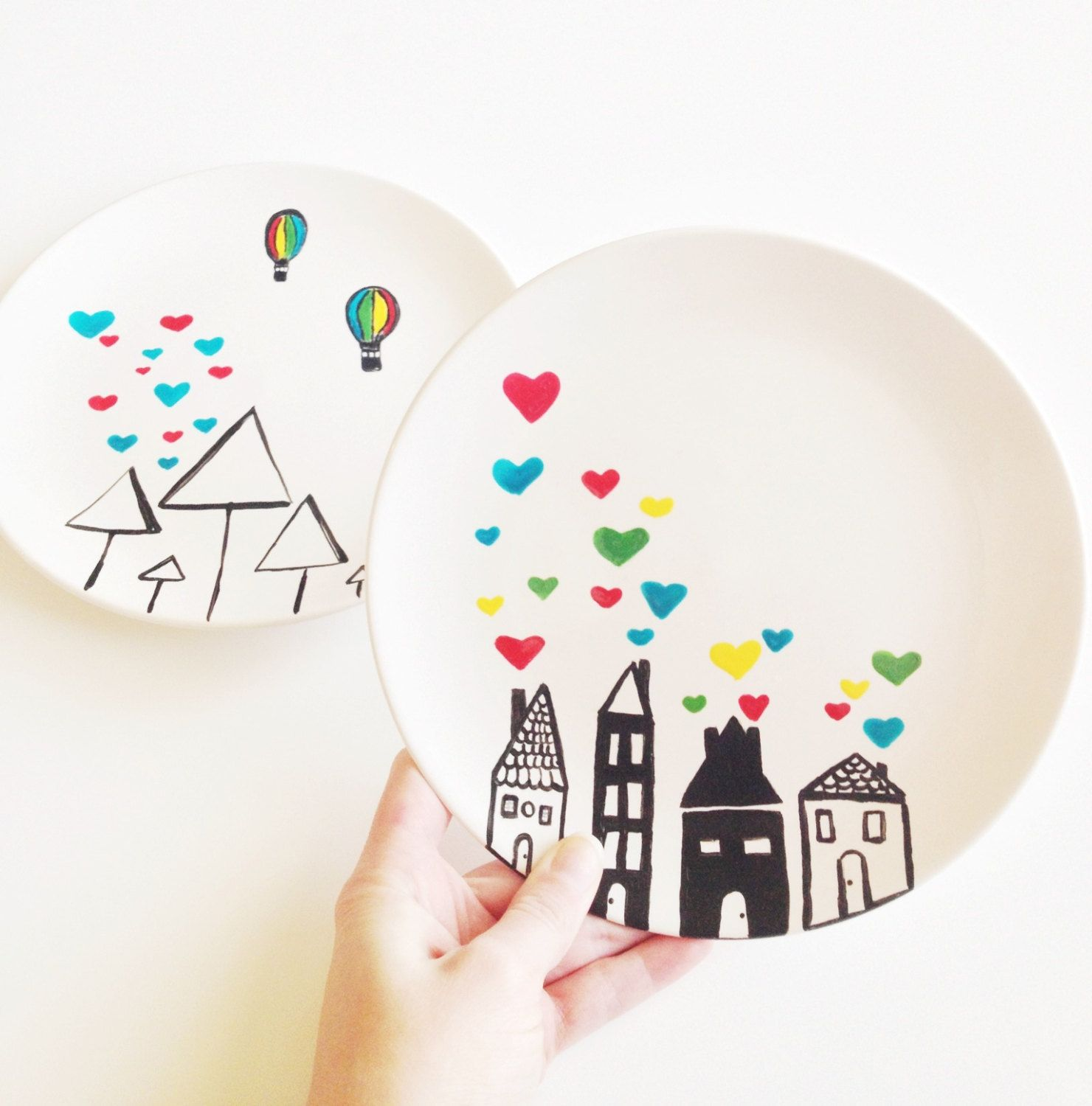 White ceramic plates for crafts - I Like The Different Sizes Of Plates And The Continuing Scene