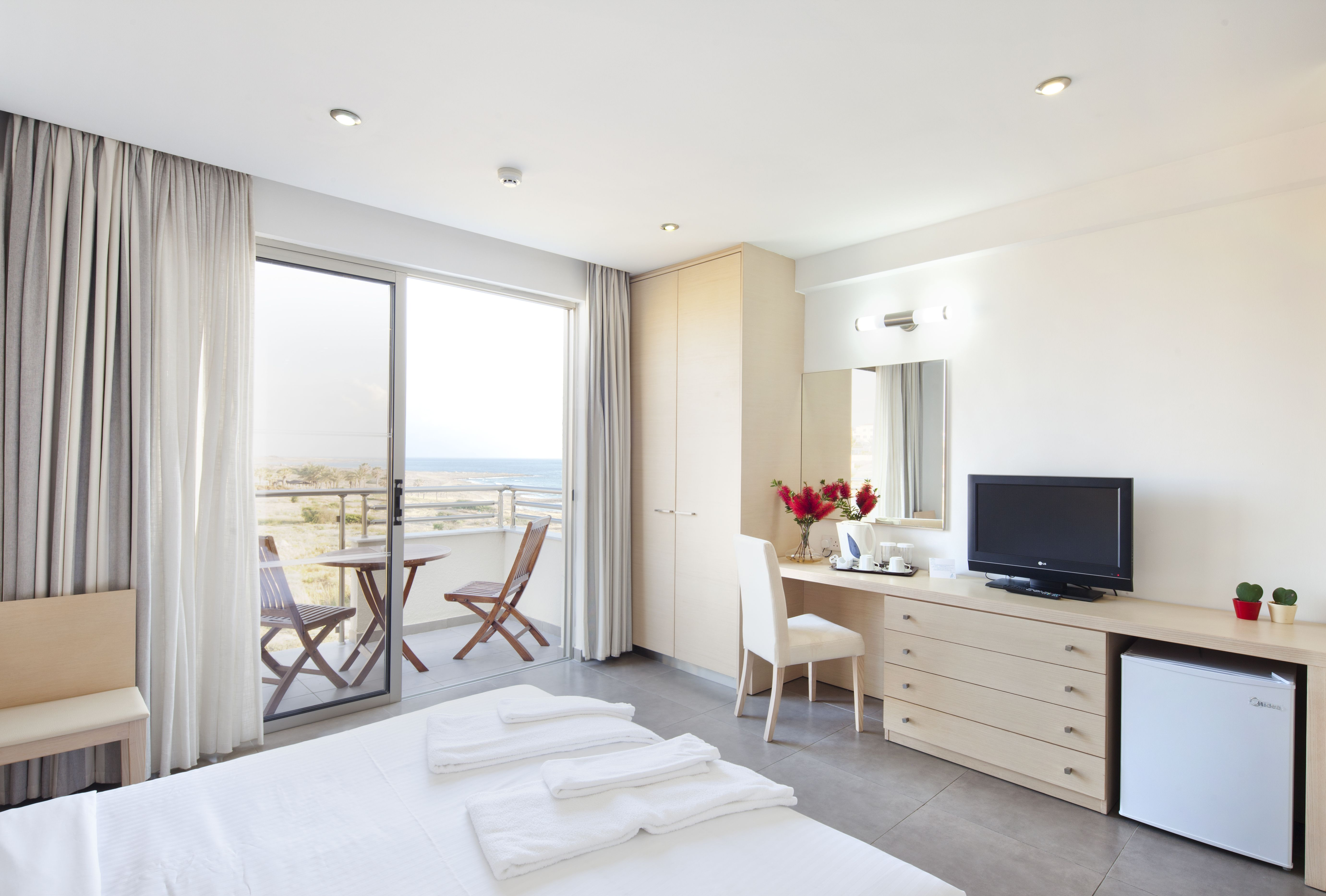 Standard room with Sea view. Hotels room, Home, Room
