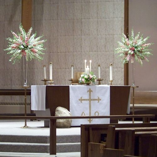 Flower Arrangement For Church Wedding: Altar Arrangements With Pink And White Snapdragons And