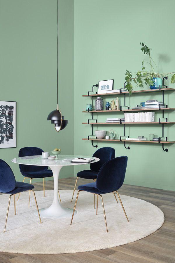 Mint Wande Und Dunkelblaue Stuhle Esszimmer Inspiration In 2020 Schoner Wohnen Trendfarbe Schoner Wohnen Wandfarbe Wohnen