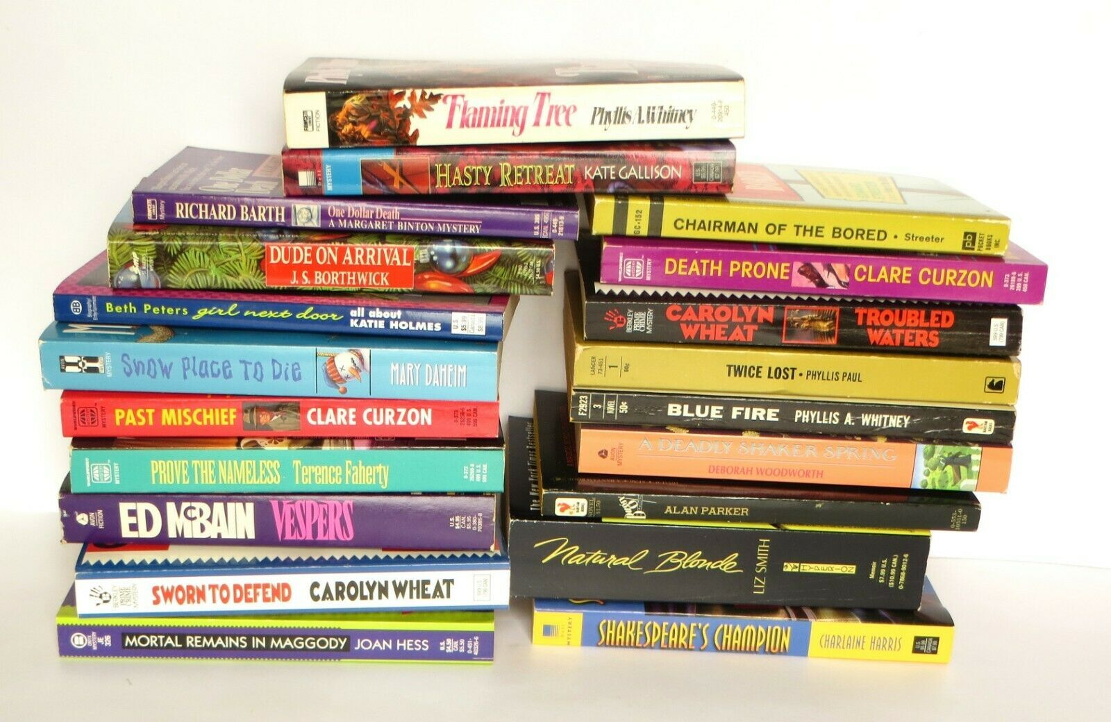 Large Paperback Book Lot Mostly Mystery Thriller 20 Different Titles Ebay Mystery Thriller Paperback Books Thriller