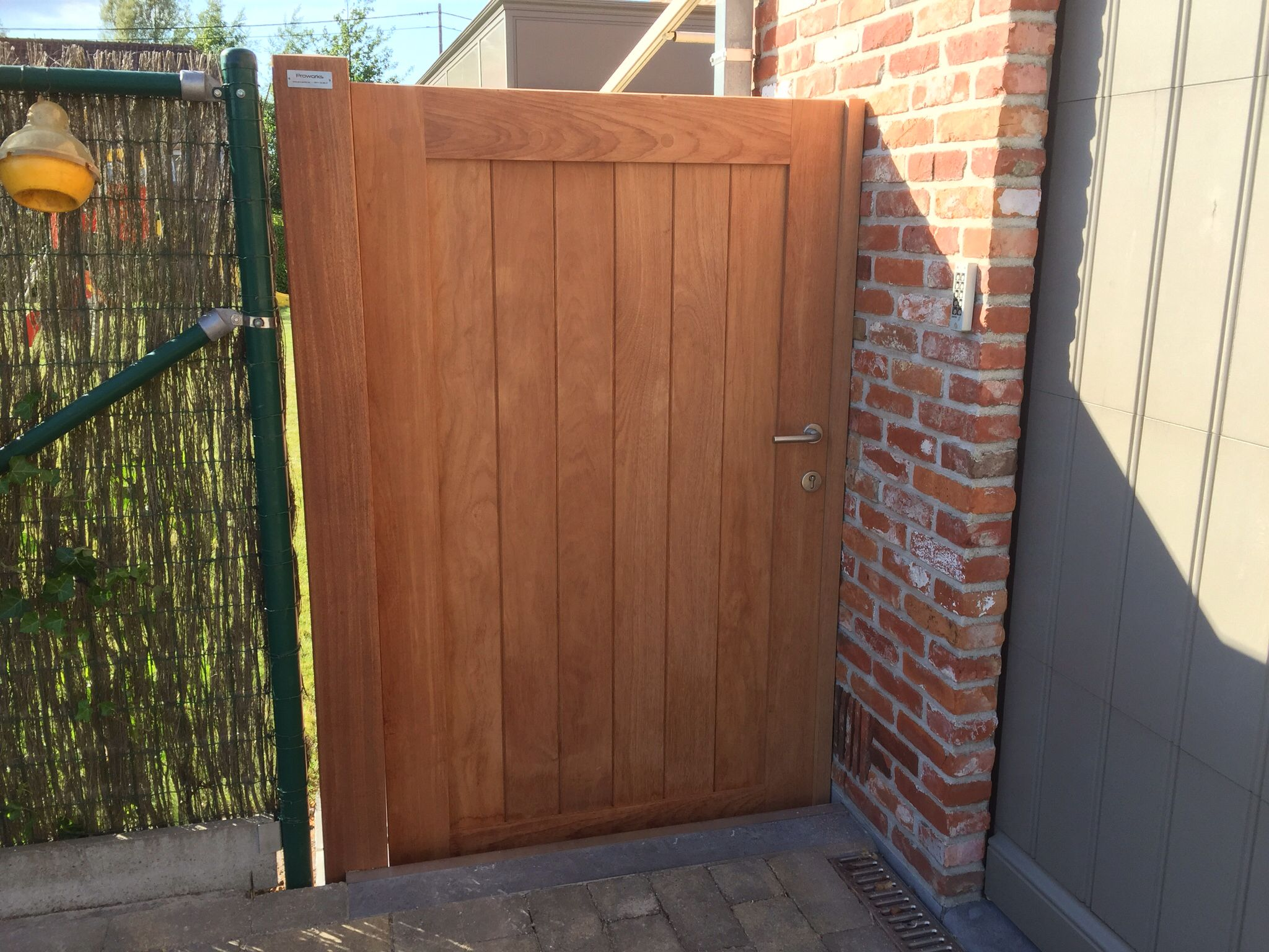 Tuindeur Stalen Frame Houten Tuinpoort By Pro Works Be Tuin In 2019 Wooden Gates