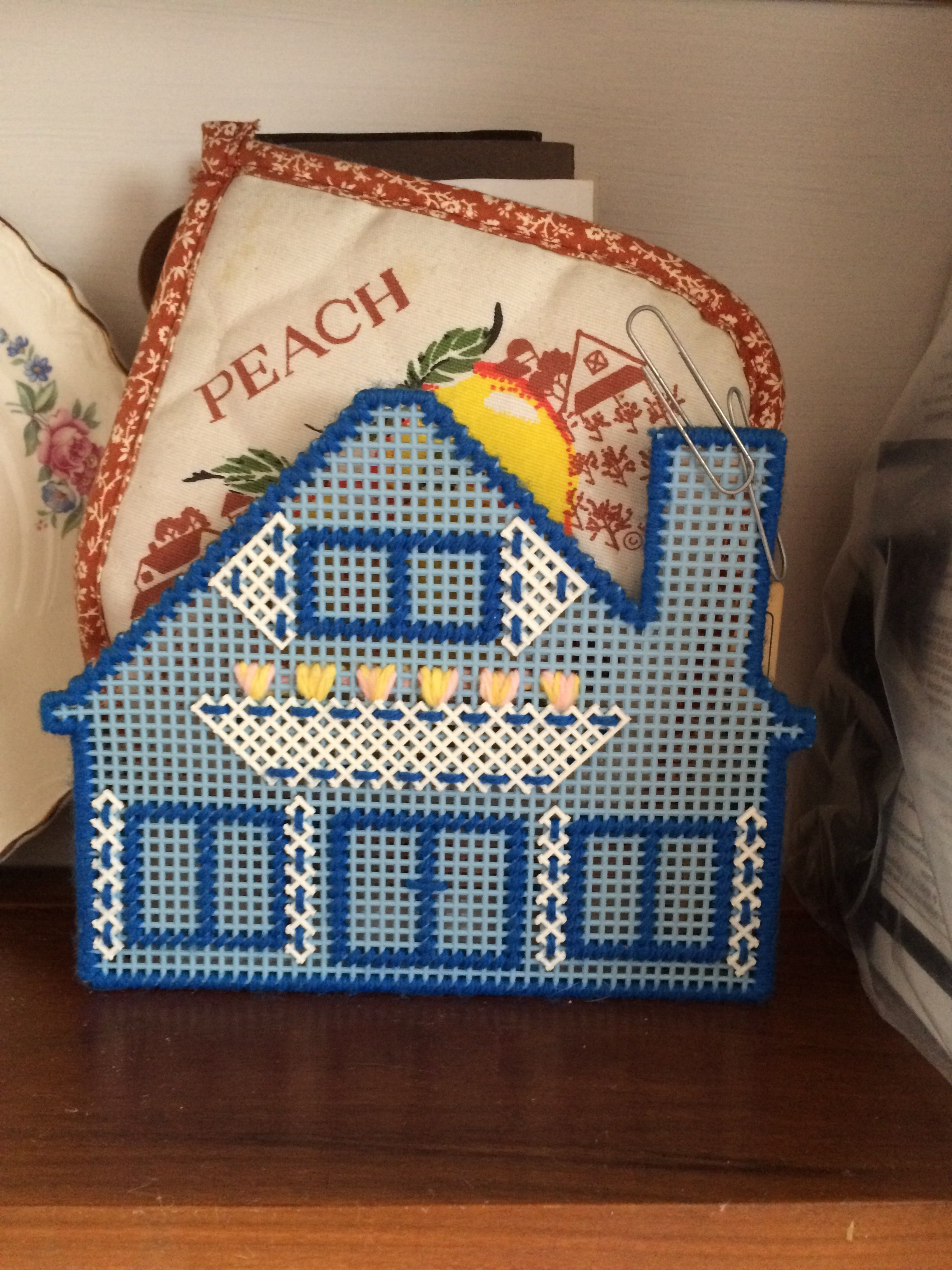 Plastic canvas napkin holder | Finished projects ...