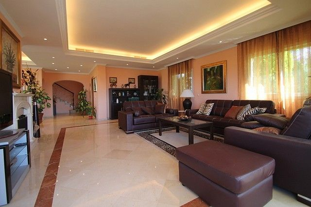 Villa for Sale in Benahavís, Costa del Sol | Click picture for more details