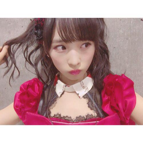 麻友さんの卒業コンサート  バラ  凄くAKB48っぽくて可愛い お気に入りの衣装の一つです  #麻友さん卒業コンサート... #Team8 #AKB48 #Instagram #InstaUpdate
