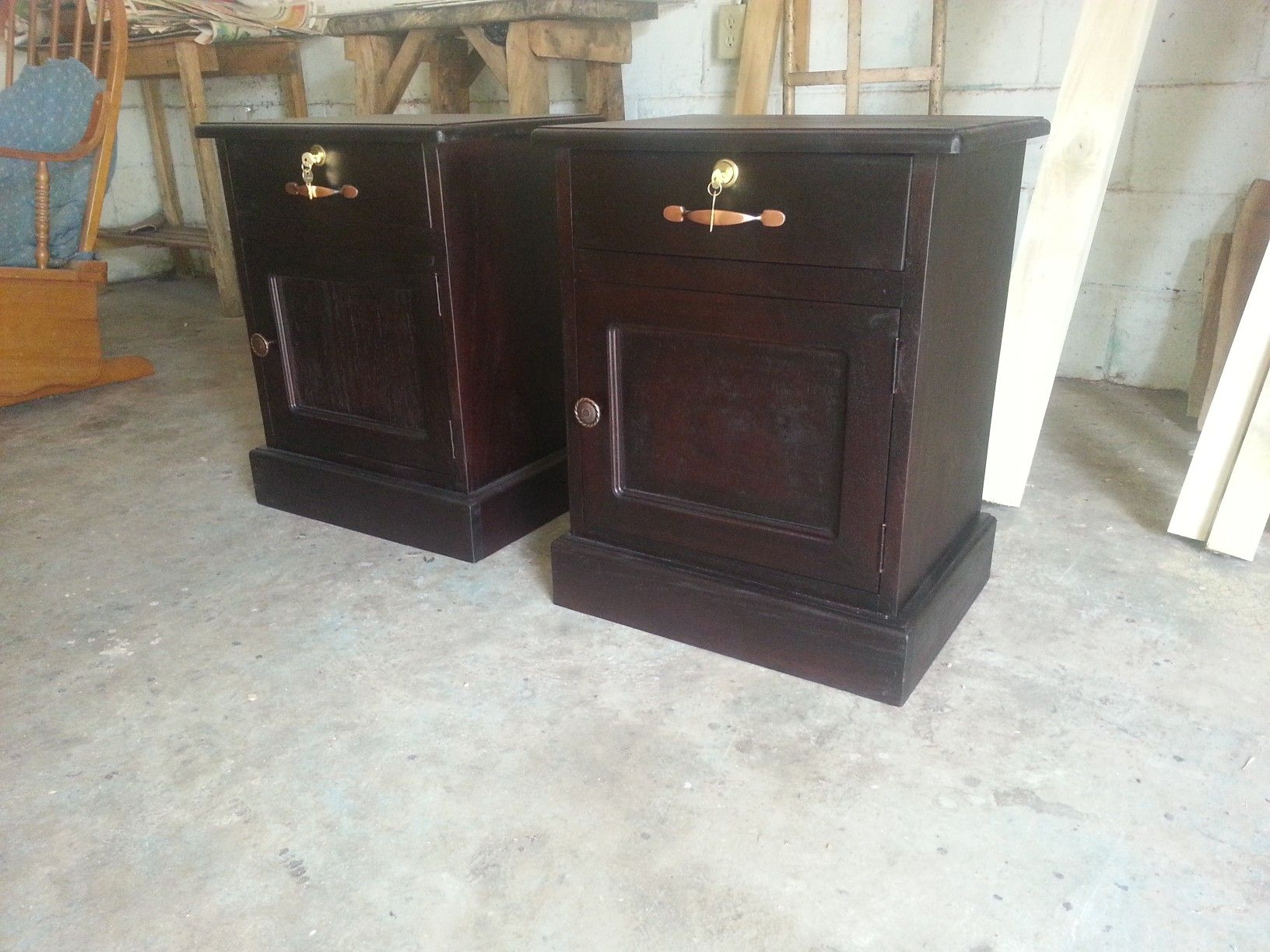 Se hacen muebles en madera fina y rustica.   Muebles y Carpintería ...