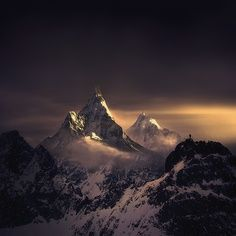 Beautiful Moutain, and gorgeous light. lucianosds