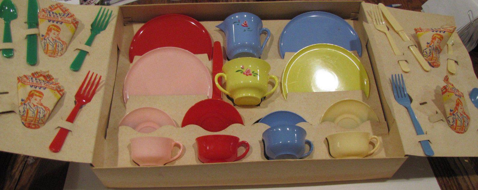 Vintage Worcester Ware Plastic Junior Tea Set 201 Childrens Set Of 4 1960s Toy Ebay Childrens Tea Sets Tea Set 1960s Toys