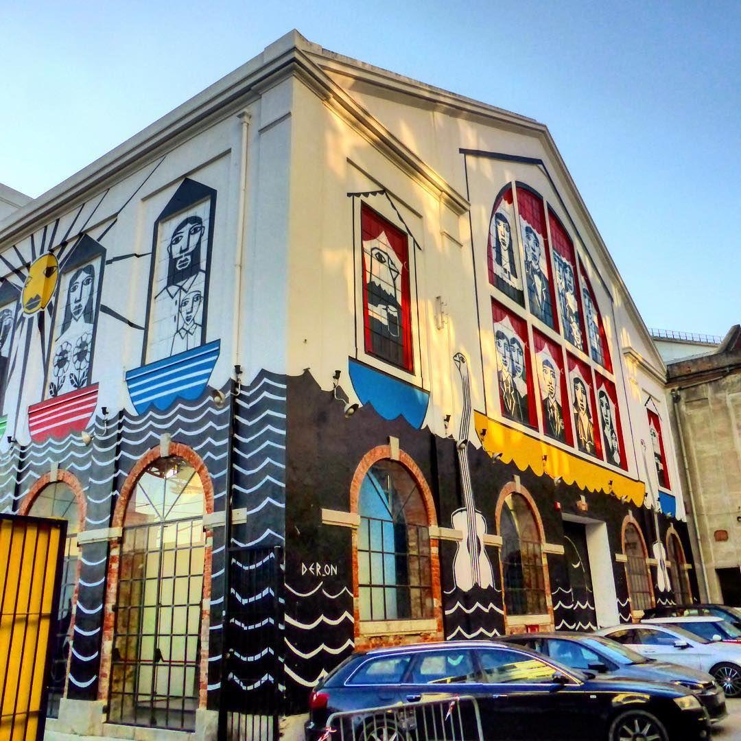 """""""#streetart en #lisboa  Foto:#estorninos1  #streetartoficial #streetartphotography #graffitiart #graffiti #stencil #urbanart #streetartbcn…"""""""