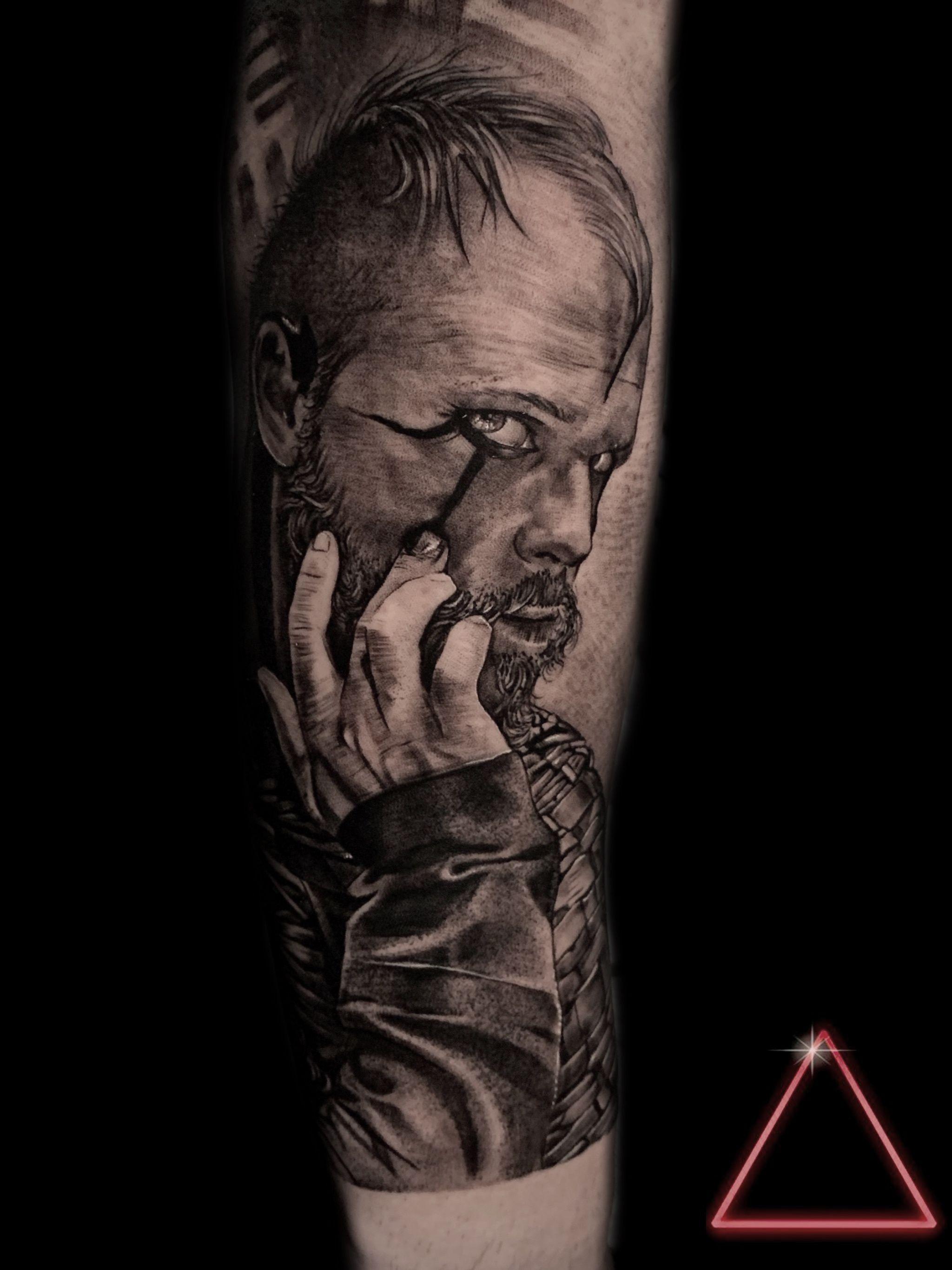 Tattoo floki, tattoo vikings, tattoo realism, tattoo on arm, tattoo men, male tattoo  Tattoo floki, tattoo vikings, tattoo realismo, tattoo no braço, tattoo masculina  #tattoofloki #flokitattoo #floki #tattoovikings #vikings #vikingstattoo #tattooonarm #tattoomen #maletattoo #realistic #realistictattoo #realism #realismtattoo  #tattoomasculina #realismo #realismotattoo