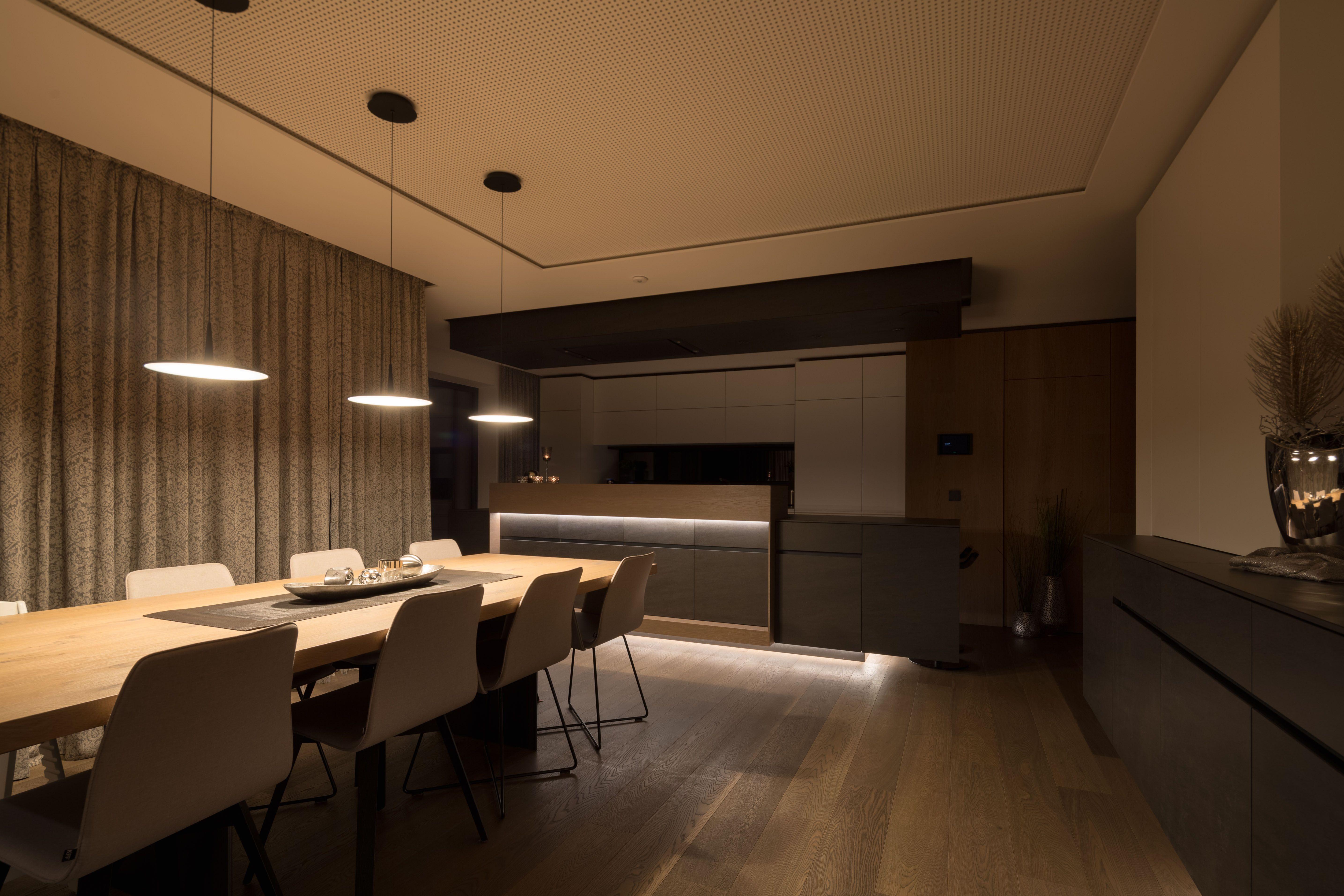 Lichtsteuerung Mit Loxone Atemberaubende Beleuchtung Beleuchtung Intelligentes Haus Lichtsteuerung