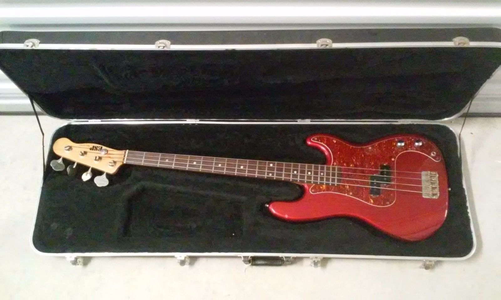 Esp 400 Series Precision Bass They Reissued These Models Later But This Is One Of The Original Ones Plays And Sounds Awesome It Has A Few Dings And Scratche