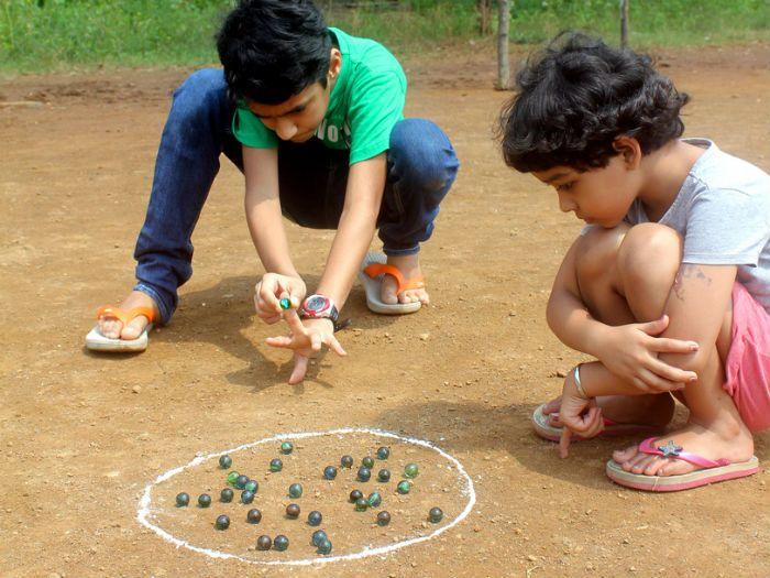 Pin by Chandni🌙🌙 on Unforgettable Precious Childhood Memories❤️    Childhood games, Village games, Kids memories