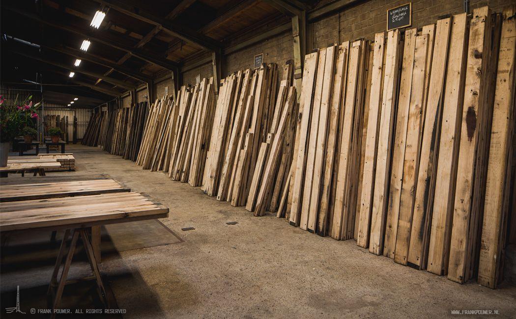 De Tafelbladen En Planken Zijn Geschaafde Oud Eiken Wagonplanken Rustieke Keukens Houten Planken Tafelbladen