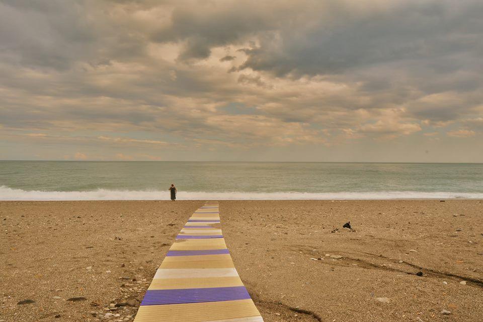 """""""Il Silenzio"""" 30x40, Fotografia, 2015 Arturo Dibartolo.  """"Talvolta il mondo ci appare così grande che diventa difficile per noi riuscire ad abbracciarlo...si porta via tutte le cose scure...ci sentiamo allora piccoli come un semeo sabbia su una spiaggia..."""""""