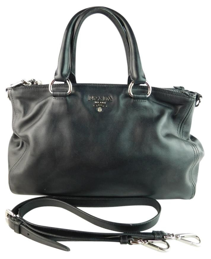 50f5b906e076 Get one of the hottest styles of the season! The Prada Leather Crossbody  Black Tote Bag is a top 10 member favorite on Tradesy.