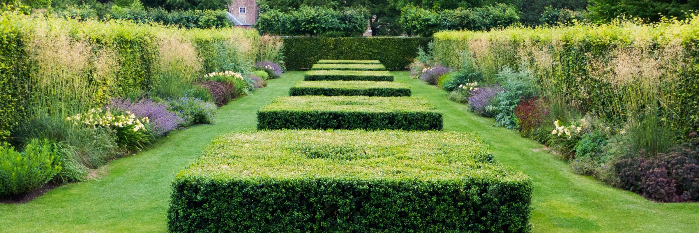 Scampston Hall Piet Oudolf S Garden Design At Scampston Malton North Yorkshire Garden Wall Beautiful Gardens Garden