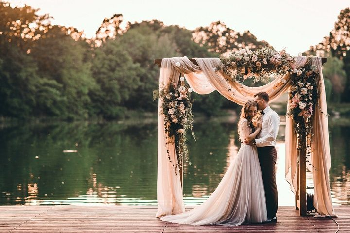 Blush flowers decorated on blush sheer chiffon draped wedding arch | fabmood.com #wedding #blushwedding #weddinginspiration #realwedding #weddingstyle