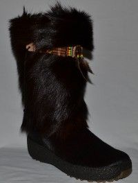 My mother in law has some of these fur boots, they are really pretty in person. I'd like some, only in black.