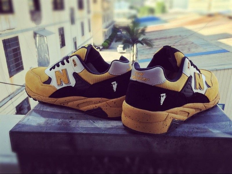 NEW BALANCE 580 BRUCE LEE 75TH ANNIVERSARY SPECIAL EDITION YELLOW BLACK  580LEE