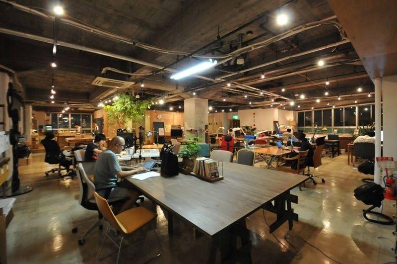 東京都内で人気のコワーキングスペースを一挙ご紹介 フリーランスの働き方 コワーキングスペース リノベーション オフィス オフィスデザイン