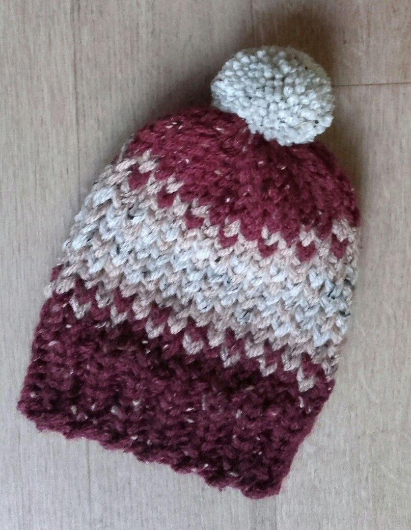 Loomknitting baby hat, made by Mutspuntnl | Knitting ...