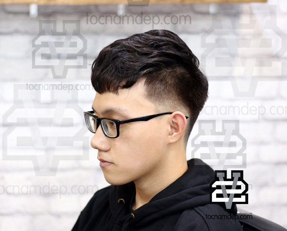 Một mái tóc Undercut uốn xoăn nhẹ nhàng giúp tạo một chút độ bồng bềnh,