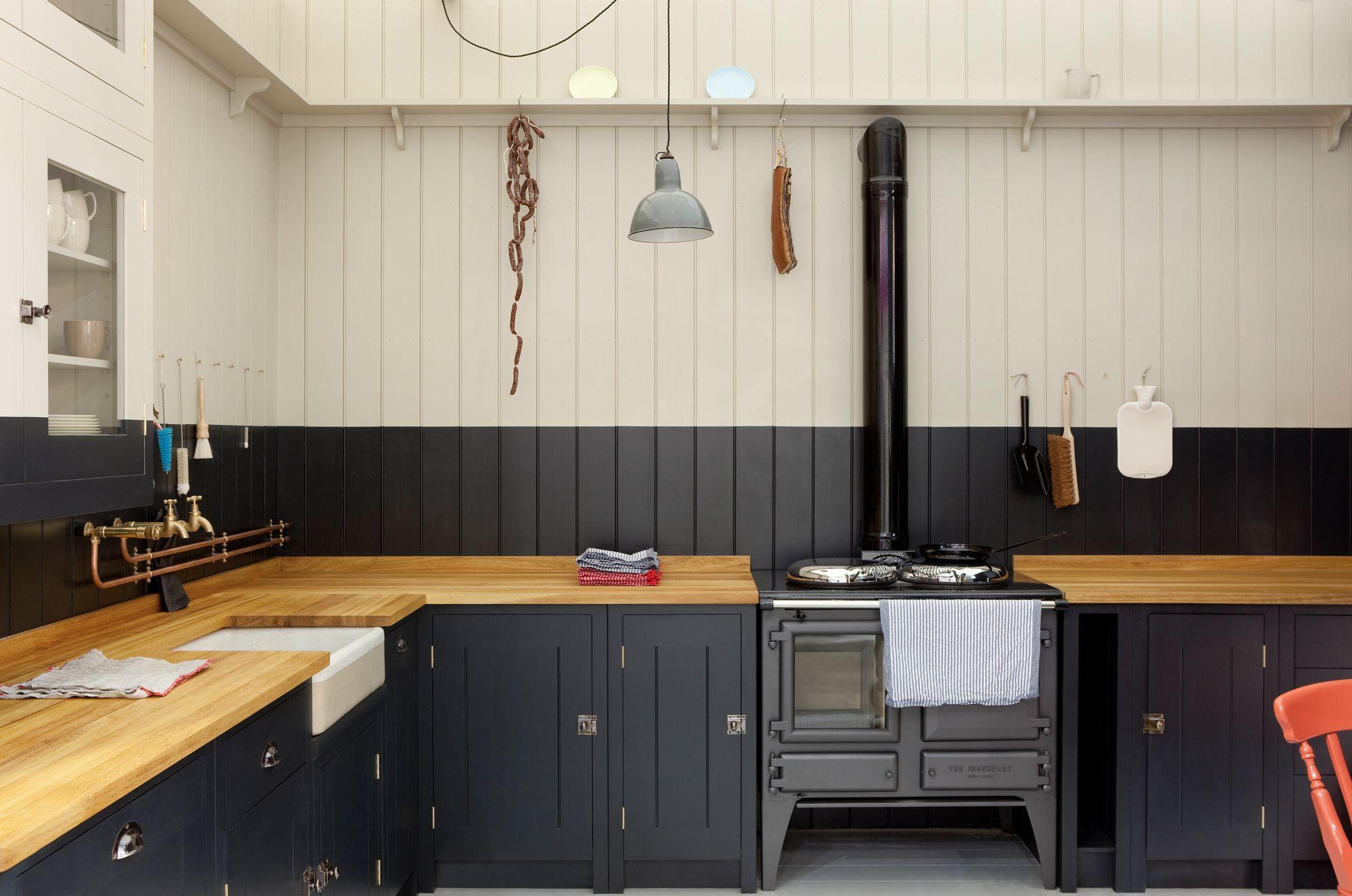 British Standard Aims To Bring English Cabinet Making To A Wider Audience British Standard Kitchen Plain English Kitchen Black Kitchens