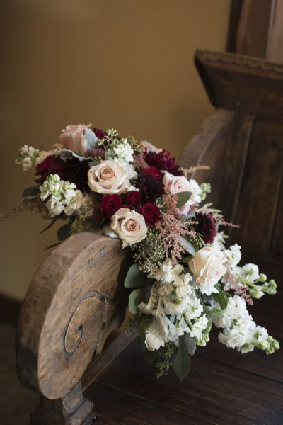 7 Winter Wedding Flowers You'll Absolutely Adore #astilbebouquet