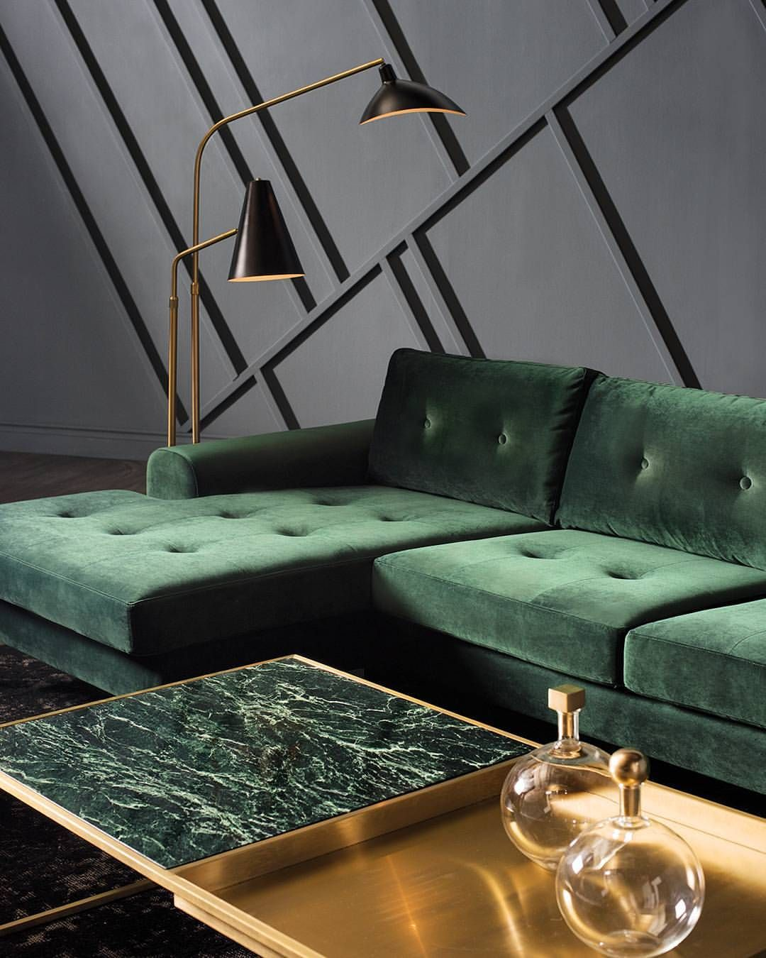 Interio Sofa Grün Classic Green And Gold Pairing Is Elevated With The Rich Texture