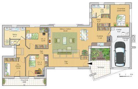Une maison lumineuse et spacieuse House and Construction - plan maison plain pied 200m2