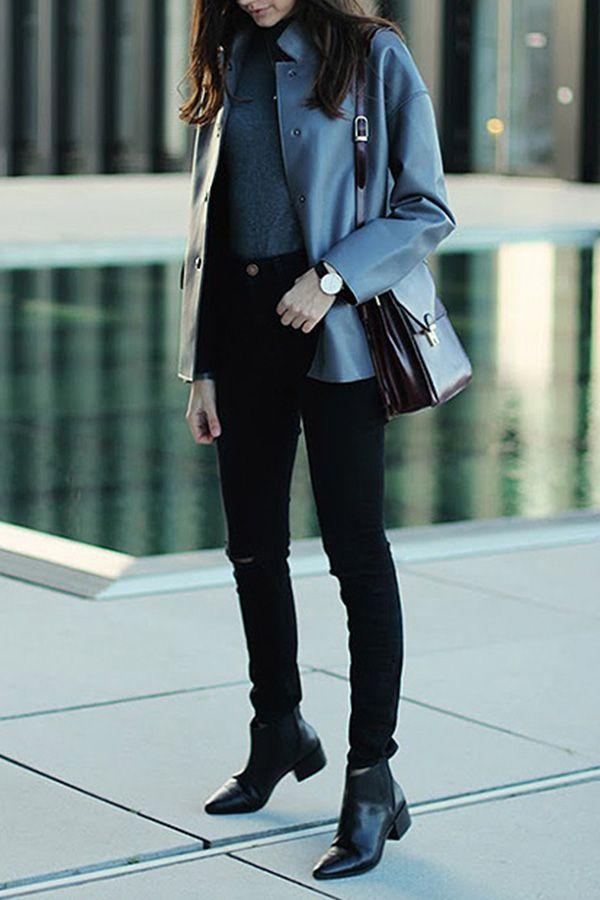 7f91a2ba10 How to Wear Ankle Boots with Skinny Jeans. 5 foolproof outfit ideas. All  things ankle booties and skinny jeans.